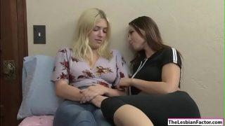 Aidra teaches friend how to eat pussy