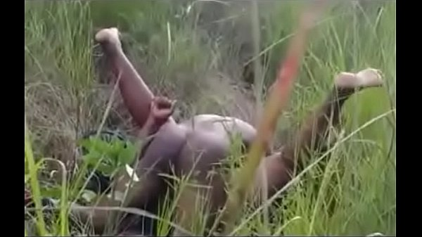 South African Couple Caught Having Sex In The Bush  666Porn-7525