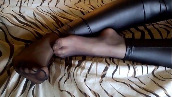 Black Pantyhose under Black Wet Look Leggings
