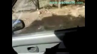 محجبة تعرض صدرها بالسيارة امام صديقها فلم جميل …
