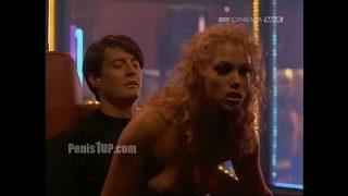Elizabeth Berkley – Showgirls (lapdance)